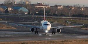 Airbus, taxiing, tarmac, aérien, piste, aéroport, roulage,