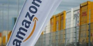 Amazon publie un benefice record, le titre grimpe