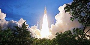 Ariane 5 place en orbite deux satellites de telecommunications