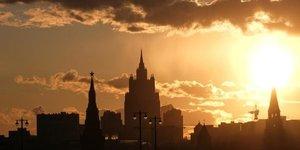 Coronavirus: vols internationaux suspendus en russie, commerces fermes a moscou