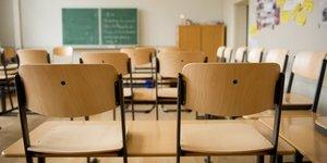école, salle de classe vide, chaise, écolier, bureau,