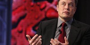 Elon Musk, 2015, Automotive World News Congress, Congrès mondial de l'automobile de Detroit,