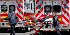 Etats-Unis, coronavirus, Covid-19, ambulance, EpidEmie, New York, mEdecin, pompier,