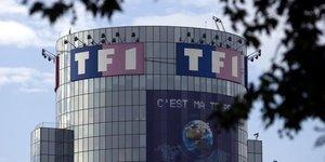 Foot: tf1 reconduit pour la diffusion des matchs l'equipe de france