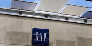 Gap scinde old navy