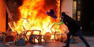 & 34 gilets jaunes& 34 : regain de violences au 18e samedi de mobilisation