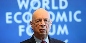 H318 IDEES Klaus Schwab, fondateur du symposium europEen du management en 1971, qui deviendra le Forum Economique mondial en 1987