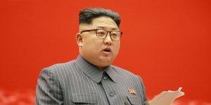 """Kim jong-un ordonne le retablissement du """"telephone rouge"""" avec seoul"""