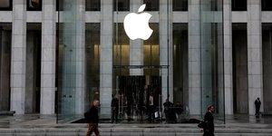 La commission europeenne ouvre une enquete sur les pratiques d'apple