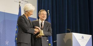 Lagarde Draghi cloche BCE