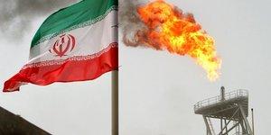 Les exportations iraniennes de petrole continuent de chuter