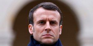 Macron annule des deplacements pour mieux se consacrer a la crise