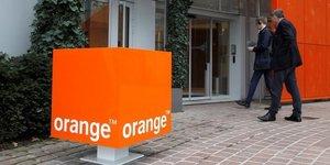 Orange accelere en 2017, la france retrouve la croissance
