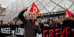 Retraites: les opposants a la reforme multiplient les actions surprise
