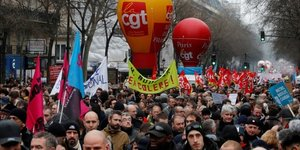 Retraites: nouvelle journee de greve le 24 janvier