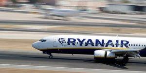 Ryanair en benefice superieur aux attentes, mais exposee aux aleas du boeing 737 max