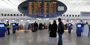 Trafic perturbe a l& 8217 aeroport de roissy en raison d& 8217 une greve