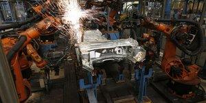 Zone euro: baisse plus marquee qu'attendu de la production industrielle